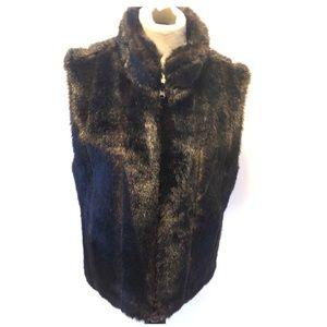 Jackets & Blazers - Brown faux fur vest size large